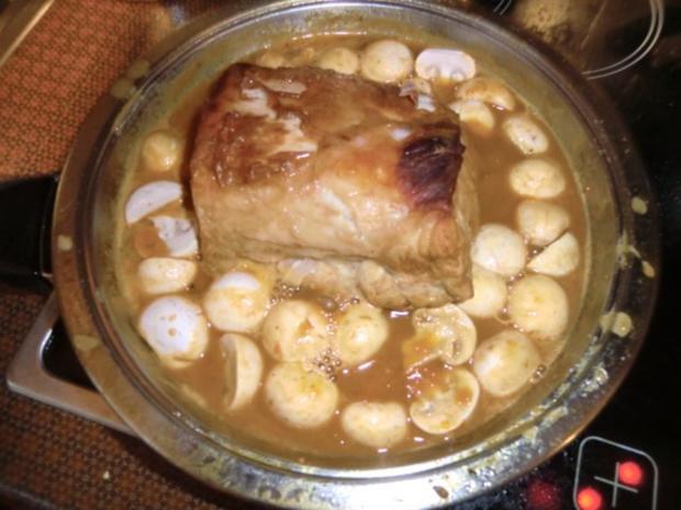 Braten vom Schweinerücken mit Gemüse-Champignon-Soße - Rezept - Bild Nr. 5