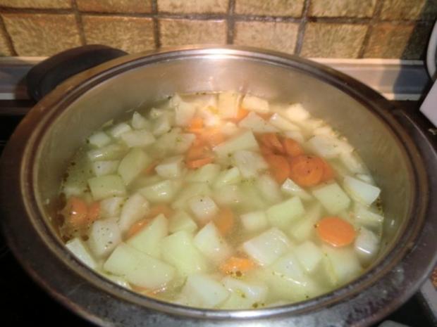 Braten vom Schweinerücken mit Gemüse-Champignon-Soße - Rezept - Bild Nr. 6