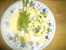 Petersilienkartoffeln mit grünem Spargel und Soße Hollandaise - Rezept