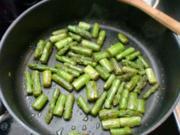 Nudeln und grüner Spargel in cremiger Gorgonzolasoße - Rezept