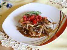 Senf-Steaks mit Karamell-Zwiebeln - Rezept