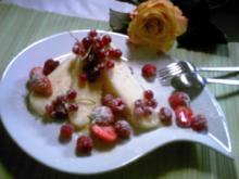 Ananas Parfait mit frische Beeren-Früchte - Rezept