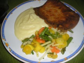 Gebackener Leberkäse mit Kartoffelpüree und Gemüse - Rezept
