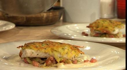 Zander im Kartoffelmantel mit Spitzkohl à la Henssler - Rezept