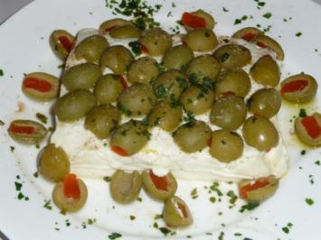 gebackener Schafskäse mit Oliven - Rezept