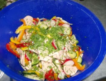 Wurstsalat kunterbunt - Rezept