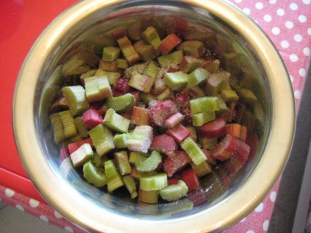 Rhabarberkuchen mit Vanillepudding und Baiser - Rezept - Bild Nr. 7