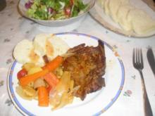 Schopfbraten mit Gemüse und böhmischen Knödel - Rezept
