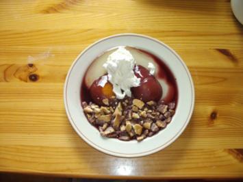 Dessert: Rotweinbirnen mit Butterkeksen - Rezept