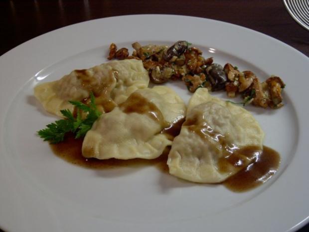 Ravioli vom Reh mit Pilzragout - Rezept