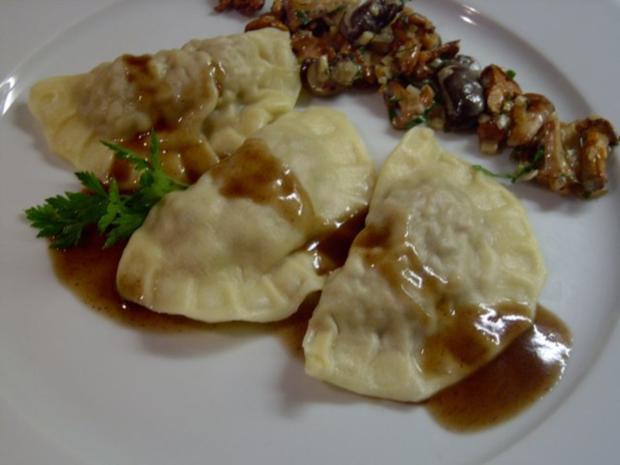 Ravioli vom Reh mit Pilzragout - Rezept - Bild Nr. 2