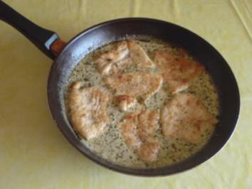 Putenschnitzel in Kräutersoße - Rezept
