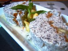 Mohnparfait mit Ananas-Minz-Ragout - Rezept