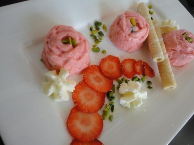 Erdbeer - Pistazien Eis - Rezept - Bild Nr. 5