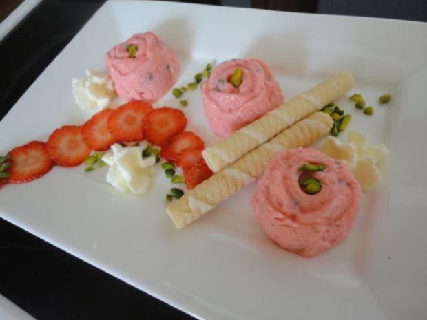 Erdbeer - Pistazien Eis - Rezept - Bild Nr. 6