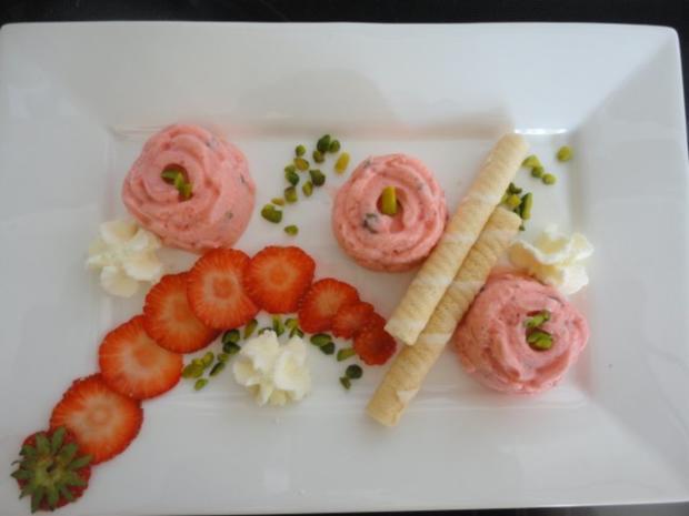 Erdbeer - Pistazien Eis - Rezept - Bild Nr. 7