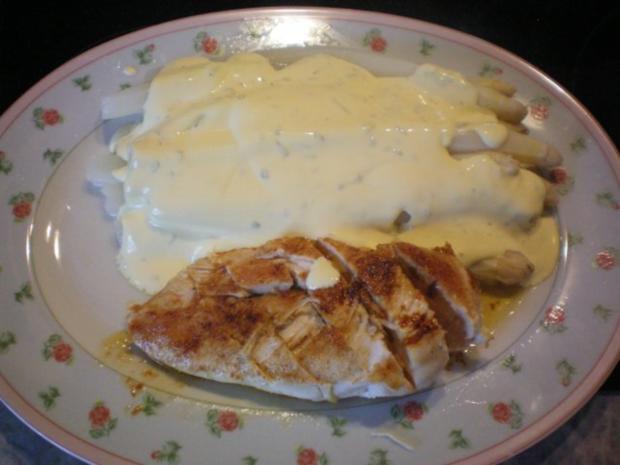 Spargel mit Estragon-Hollandaise und gebratenener Hähnchenbrust - Rezept