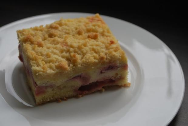 Erdbeer Quark Kuchen Mit Streuseln Vom Blech Rezept Kochbar De