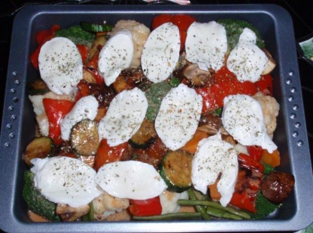 Bunter Gemüse-Auflauf mit Mozzarella überbacken - Rezept - Bild Nr. 11