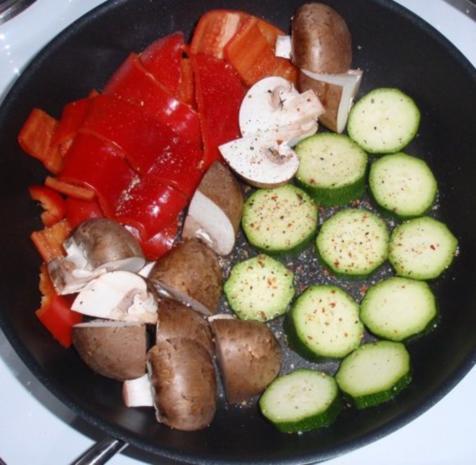Bunter Gemüse-Auflauf mit Mozzarella überbacken - Rezept - Bild Nr. 6