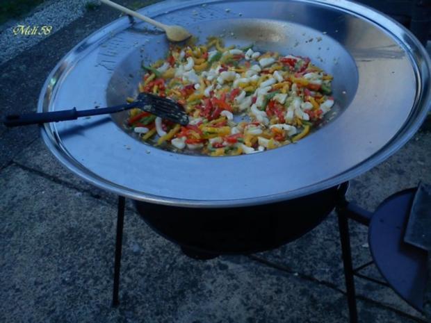 Verschiedenes: Paella....im Kotlovina-Ofen zubereitet - Rezept - Bild Nr. 2