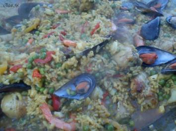 Verschiedenes: Paella....im Kotlovina-Ofen zubereitet - Rezept
