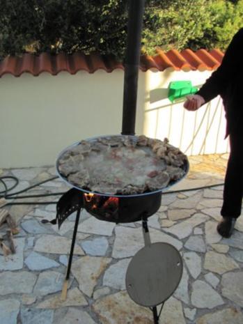 Verschiedenes: Paella....im Kotlovina-Ofen zubereitet - Rezept - Bild Nr. 5
