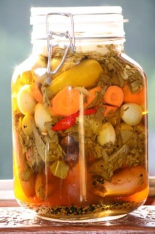 Sauer eingelegtes Gemüse (Persische Art) - Rezept