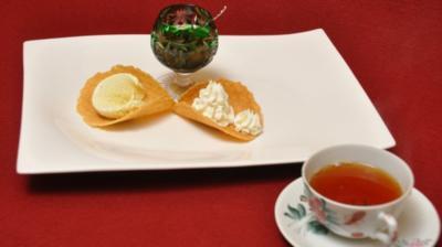 Ostfriesische Teezeremonie mit gefüllter ostfriesischer Knetwaffel - Rezept