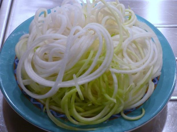 Kohlrabi - Spaghetti an Kartoffelnestern - - Rezept - Bild Nr. 4