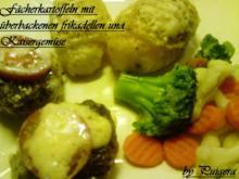 Fächerkartoffeln mit überbackenen Frikadellen und Kaisergemüse - Rezept
