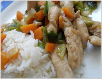 Gebratenes Hühnerfleisch mit Gemüse; säuerlich - Rezept