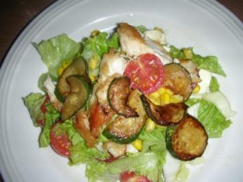 bunter Sommersalat mit  Putenbrust-Streifen - Rezept