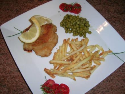 Cordon bleu (ganz klassisch) mit Erbsen und Pommes - Rezept