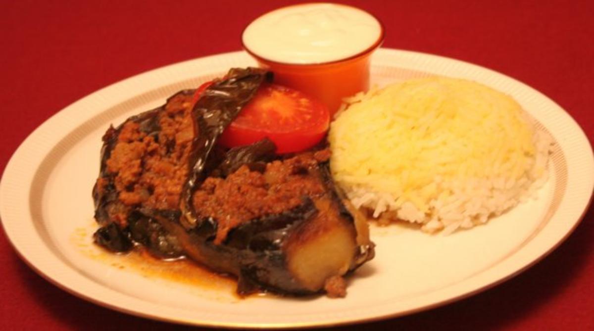 Mit Hackfleisch gefüllte Aubergine, dazu Reis mit Safranhäubchen - Rezept Von Einsendungen Das perfekte Dinner