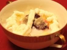 Gefüllter Apfel in Rum-Gelee mit Sahnehäubchen - Rezept