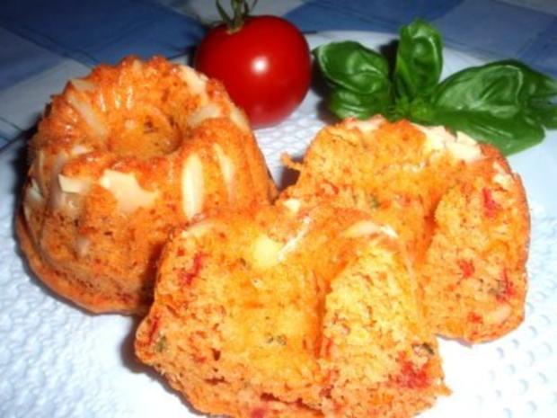 Pikantes: Tomaten-Gugelhupf mit Mandeln - Rezept