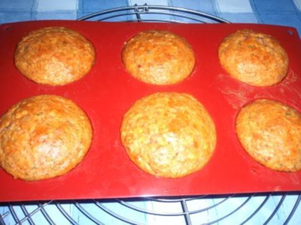 Pikantes: Tomaten-Gugelhupf mit Mandeln - Rezept - Bild Nr. 2