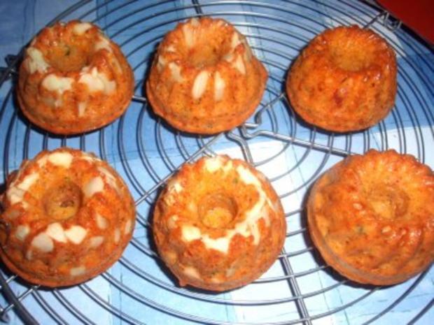 Pikantes: Tomaten-Gugelhupf mit Mandeln - Rezept - Bild Nr. 3
