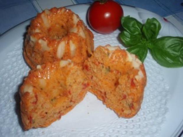 Pikantes: Tomaten-Gugelhupf mit Mandeln - Rezept - Bild Nr. 4