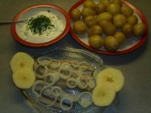 Pellkartoffeln mit Matjesfilet und Kräuterquark - Rezept