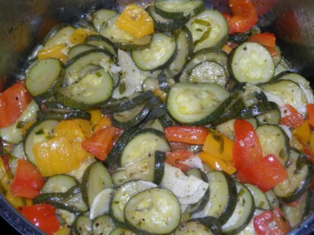 Mediteranes Zucchini Paprika Gemüse - Rezept