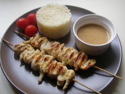Sate-Spiesse mit Erdnuss-Sauce - Rezept
