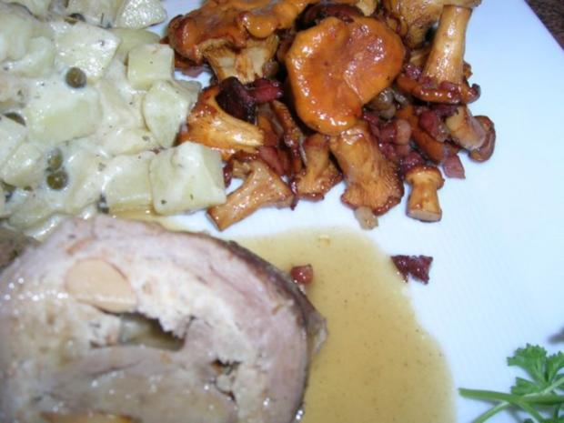 Kalbsroulade mit Pfifferlingfülle an Kartoffel-Ragout mit frischen Pfifferlingen - Rezept - Bild Nr. 10