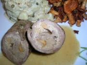 Kalbsroulade mit Pfifferlingfülle an Kartoffel-Ragout mit frischen Pfifferlingen - Rezept