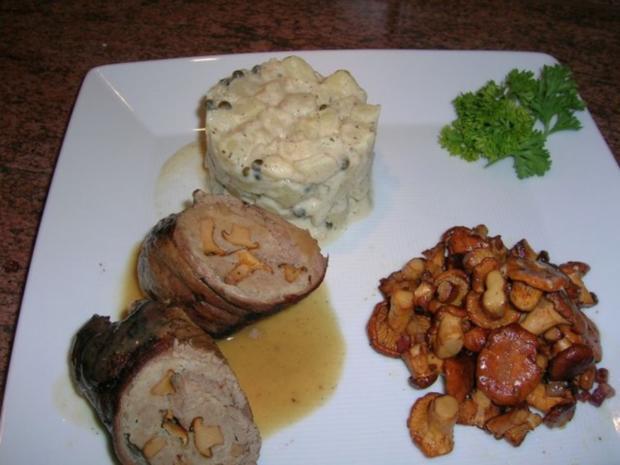 Kalbsroulade mit Pfifferlingfülle an Kartoffel-Ragout mit frischen Pfifferlingen - Rezept - Bild Nr. 4