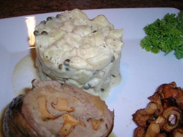 Kalbsroulade mit Pfifferlingfülle an Kartoffel-Ragout mit frischen Pfifferlingen - Rezept - Bild Nr. 3