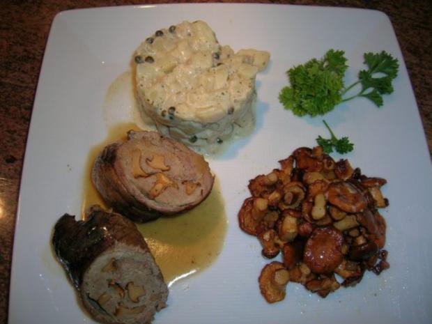 Kalbsroulade mit Pfifferlingfülle an Kartoffel-Ragout mit frischen Pfifferlingen - Rezept - Bild Nr. 2