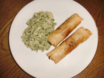 Frühlingsrollen mit Lachs und Gurkensalat - Rezept