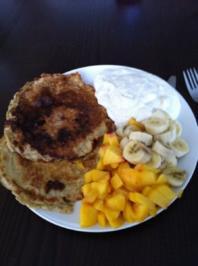vollkornpfannkuchen mit obstsalat und bananenquark - Rezept